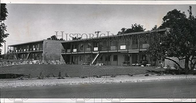 Review 1962 Press Photo Apartment