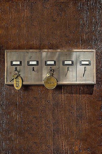 Vagabond Vintage Rustic and Vintage-Style Hotel Key Racks with Hooks and Name-Plates (Medium)