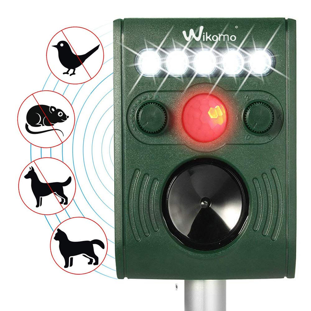 Solar Powered Animal Repeller Ultrasonic Pest Repellent Spray ,Waterproof Outdoor Animal Repeller with Ultrasonic sound,LED Flashing Light and Motion Sensor Outdoor for Cats, Dogs, Squirrels, Moles, Rats etc Sevenplus10-UK