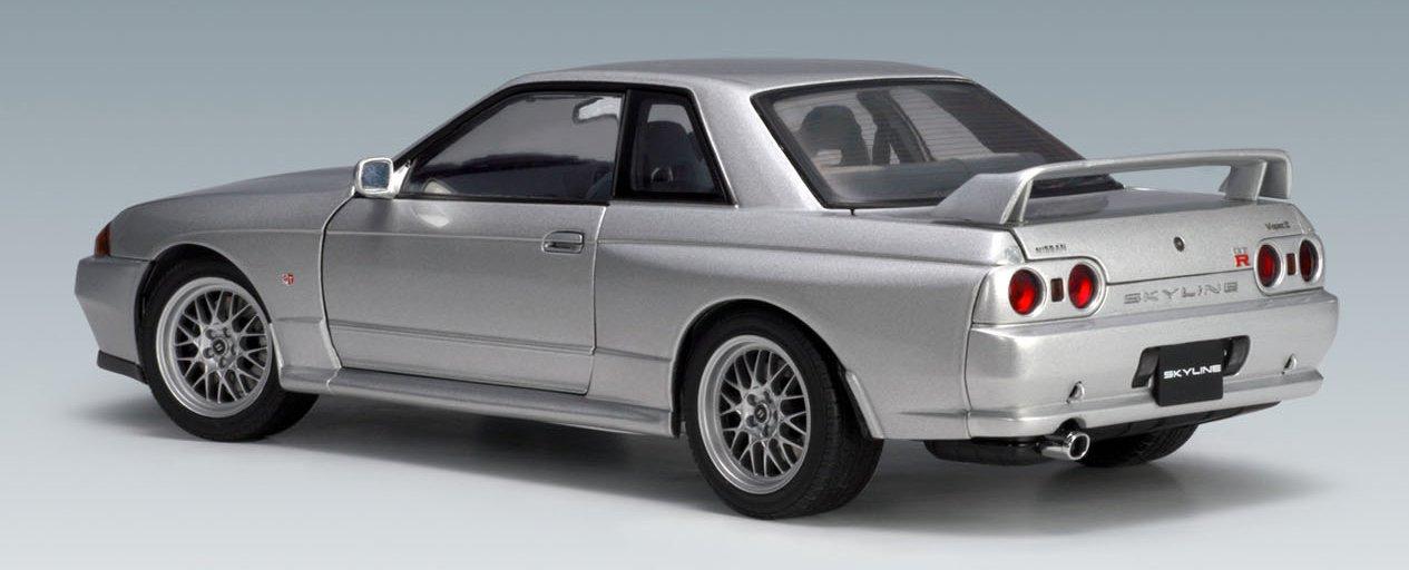 Nissan Skyline GTR (R32) V-Spec II - Spark Silver 1:18 (japan import) by AUTOart by AUTOart (Image #2)