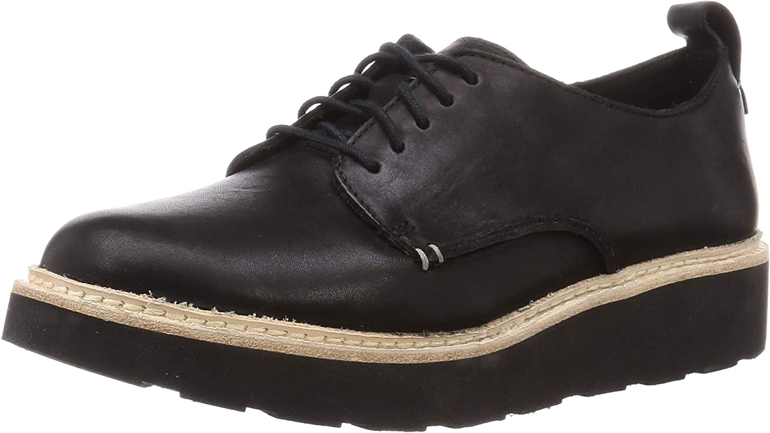 Clarks Trace Walk Leather Shoes in