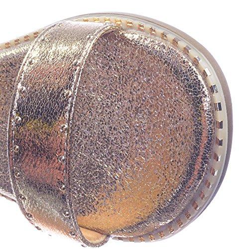 Bambu Rockstar Ankelbandet Platt Sandal W Metall Stud Nitar Längs Trimning Bmaboo Guld