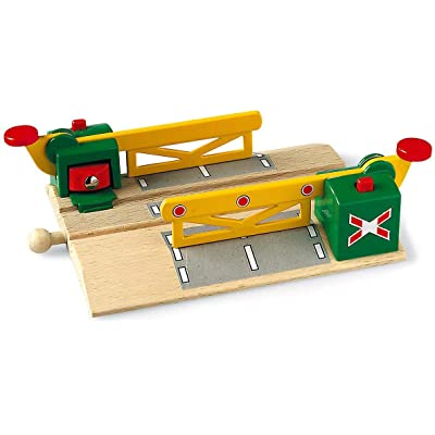 BRIO World - 33750 Magnetic Action Crossing | Toy Train Accessory for Kids Ages 3 and Up: Toys & Games