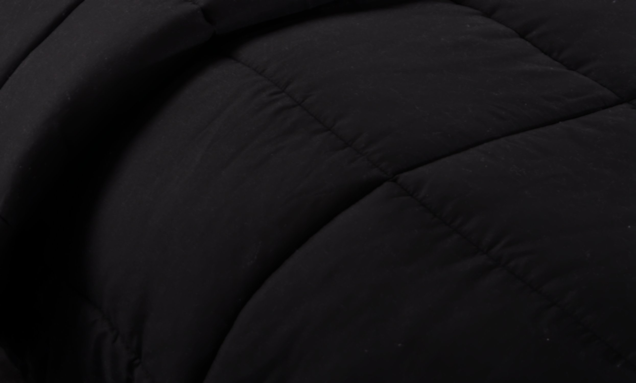 Ghooss All Season Black Bedding Down Alternative Comforter -Hotel Quality Luxury Quilt with Corner Tabs-Hypoallergenic-Super Microfiber Fill -Machine Washable-Queen by Ghooss (Image #3)