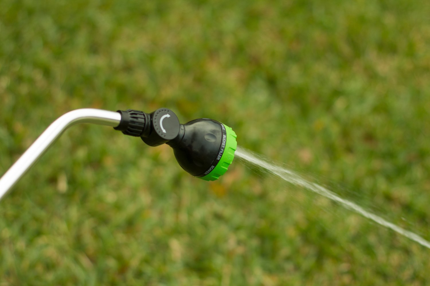 Garden Spray Watering Wand for Hose with 7 Nozzle Patterns and Easy Shut Off Valve for Lawns, Gardens, Baskets, Flowers, Shrubs, and More, 33 Inch Long Handle, by Garden Products USA by Garden Products USA (Image #5)