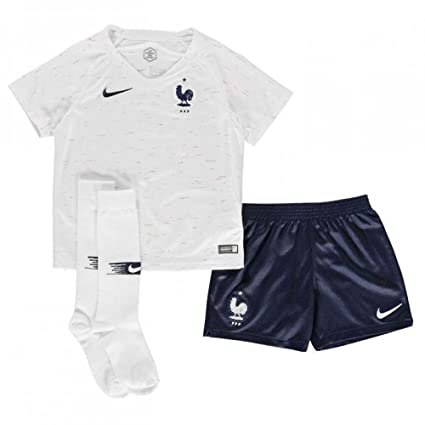 9c71a7145 Amazon.com : Nike 2018-2019 France Away Little Boys Mini Kit : Clothing