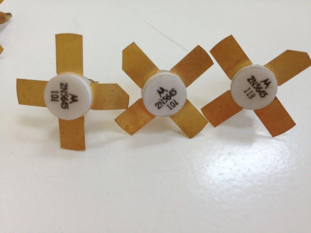 Amazon.com: 2 transistores n5645 Microondas por Motorola ...
