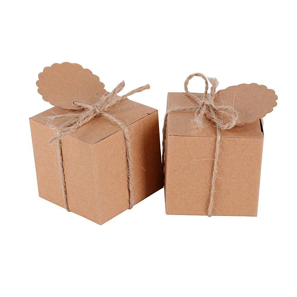 AONER (5 x 5 x 5cm)✤100PCS Blanc Bonbonnière Cube avec Corde et Etiquette Ronde Boîte de Bonbons pour Décoration de Mariage Fêtes Baptême Naissance
