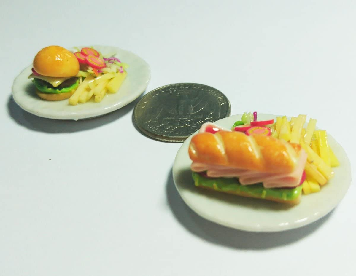 Dollhouse kits Miniature Food (Berger, Hotdog) Made of Artificial Clay Realistic it Very Cute.