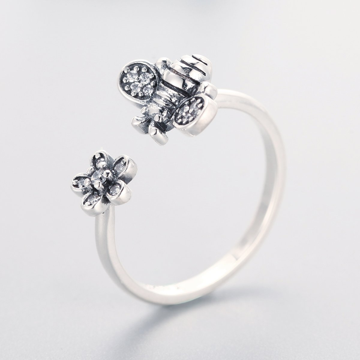 The Kiss Cute Bee /& Poetic Daisy Flower Open 925 Sterling Silver Adjustable Ring Clear CZ