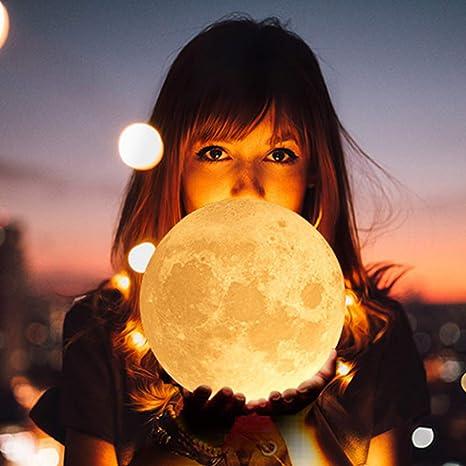 con USB muy bonita y sensible con soporte de madera para dormitorio recargable L/ámpara de luna 3D con forma de luna de 15 cm luz nocturna regalo de cumplea/ños o Navidad sal/ón caf/é