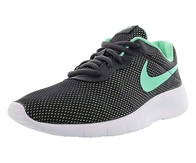 1d050d500a0aa Amazon.com: Nike Tanjun Se Winter Casual Gradeschool Girl's Shoes Size 4.5:  Shoes