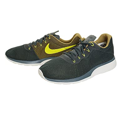 pretty nice f1018 29cdb Nike Men s Tanjun Racer Vintage Green Running Shoes-10 ...
