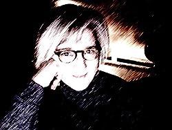 Lisa Holton