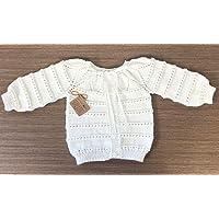 Suéter chambrita para bebé tejida a mano
