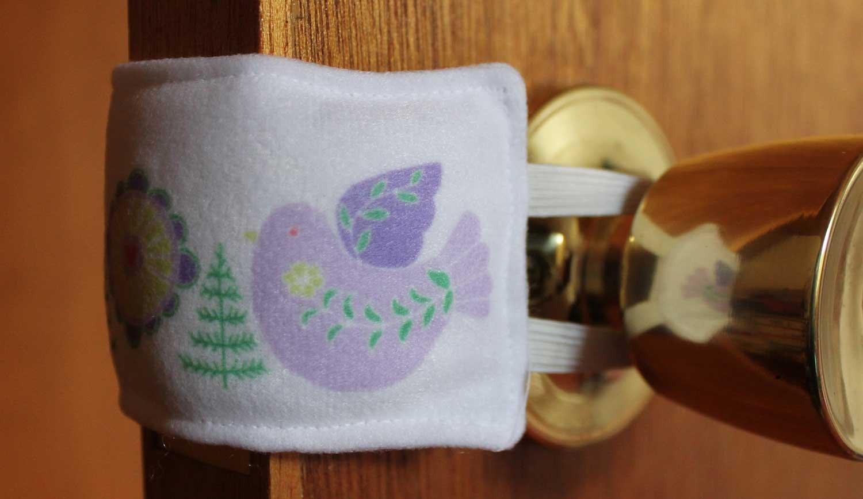 Puerta Silenciador Nursery LILA pájaros nórdicos arte guardería Bebé Ducha Puerta Parada (color blanco) blanco blanco Talla:estándar Tech Perch lilacbirds
