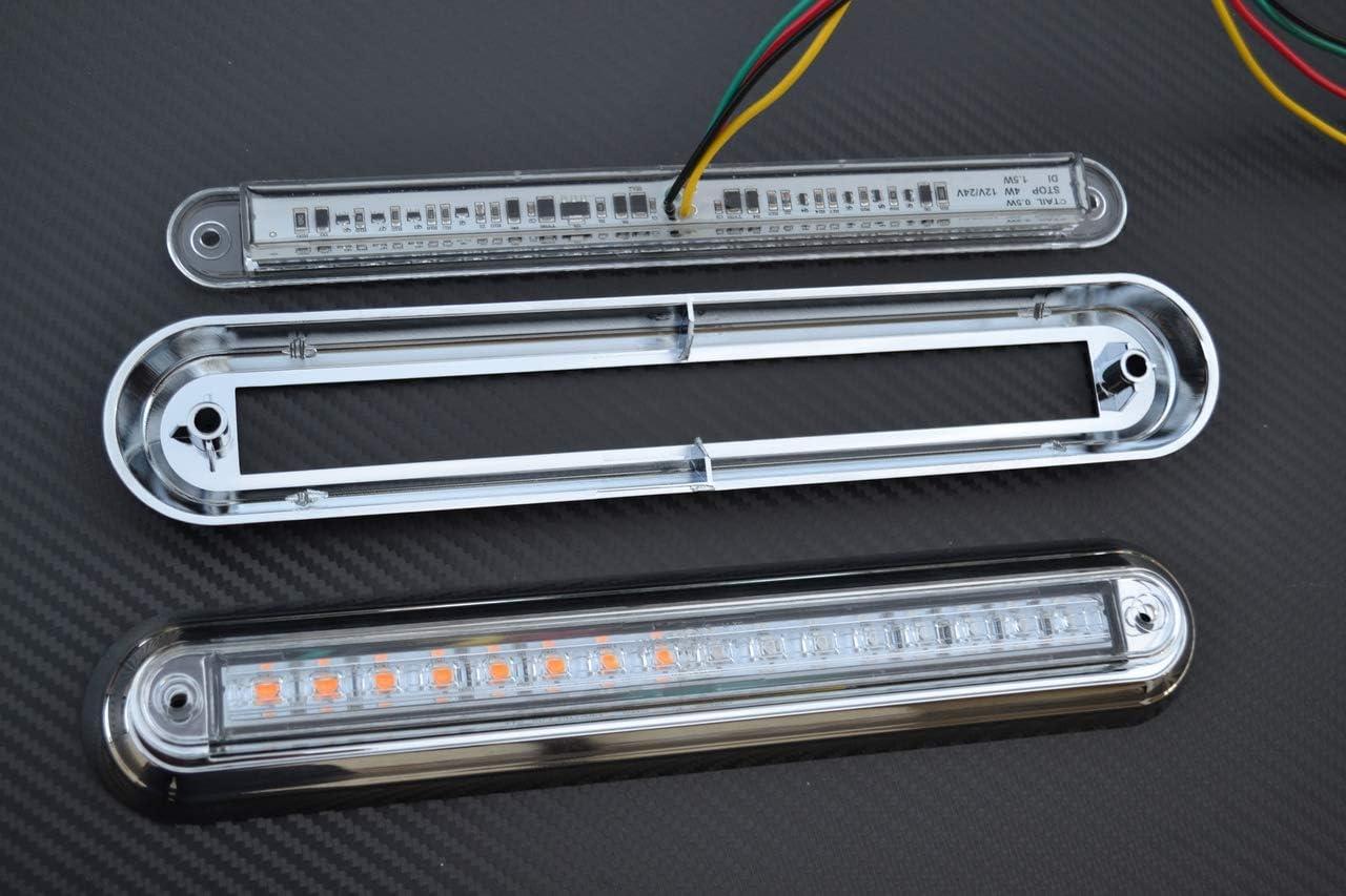 2 luci a combinazione posteriori multifunzione a LED con cornice cromata.