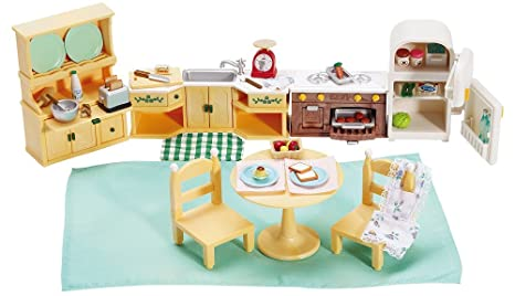 Amazon Com Calico Critters Deluxe Kozy Kitchen Set Toys Games