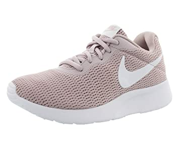 ad589d1ed990 Nike Tanjun Chaussures femme Vert 844908304: Amazon.fr: Sports et ...