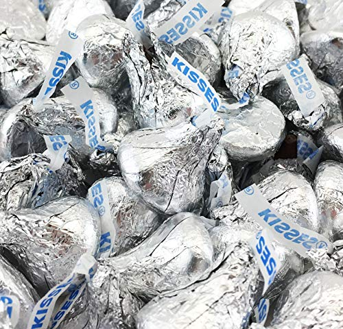 Hershey's Kisses, Milk Chocolate in Silver Foil (Pack of 2 Pound) (Hershey Kisses Christmas)