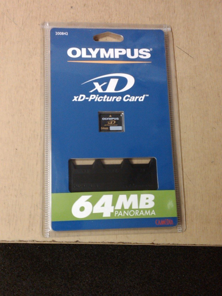 Olympus 64 MB xD-Picture Card - 64 MB Panorama - Incluye ...