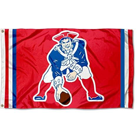 Amazon.com   Wincraft New England Patriots Pat Patriot Vintage Flag ... 2f0bc6559