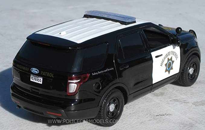 Amazon.com: Motormax 1/24 CHP California Highway Patrol B&W Ford PI Utility Police SUV: Toys & Games