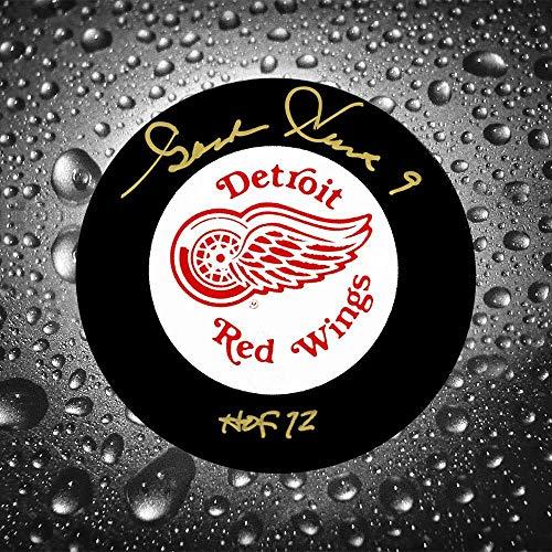 Howe Gordie Autographed Puck - Gordie Howe Autographed Puck - HOF - Autographed NHL Pucks