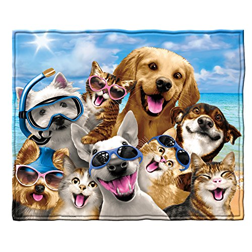 Dawhud Direct Dogs and Cats Beach Party Selfie Fleece Throw Blanket ()