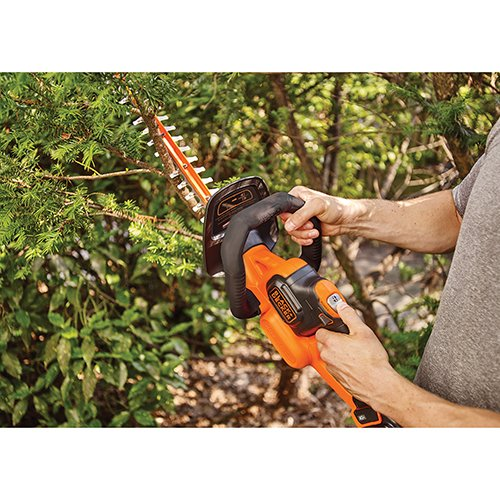 BLACK+DECKER LHT341FF 40V MAX Lithium POWERCOMMAND Powercut Hedge Trimmer, 24''