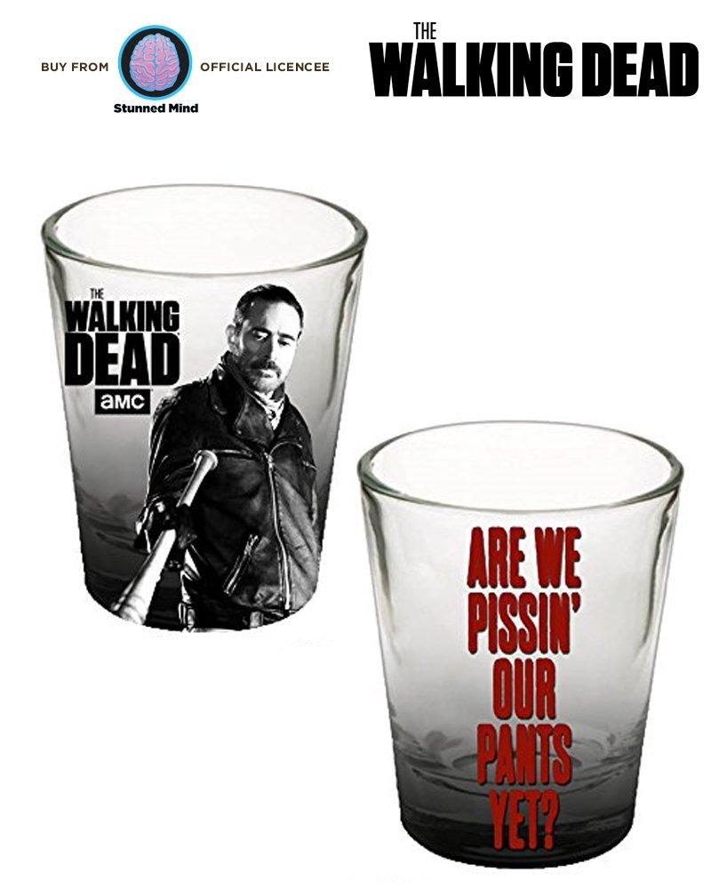 Walking Dead - Shot glass-with aún estamos pissin nuestras pantalones 100% producto original de texto - oficial licencia: Amazon.es: Hogar