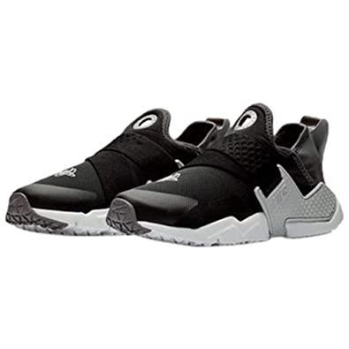 competitive price 41397 d28ce Amazon.com   Nike Youth Boys Huarache Extreme Sneaker   Sneakers