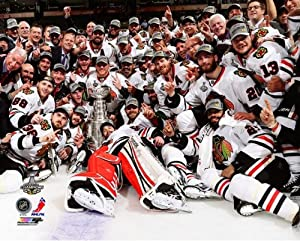 Chicago Blackhawks 2013 Stanley Cup Championship Team Celebration Photo 8x10