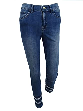 82faf24fbadd8 Tommy Hilfiger Womens Greenwich Denim Mid-Rise Classic Straight Jeans at  Amazon Women s Jeans store