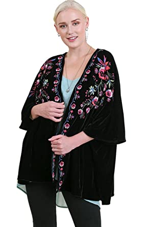 140c1609b4b Umgee Women s Bohemian Embroidered Velvet Kimono Plus Size at Amazon  Women s Clothing store