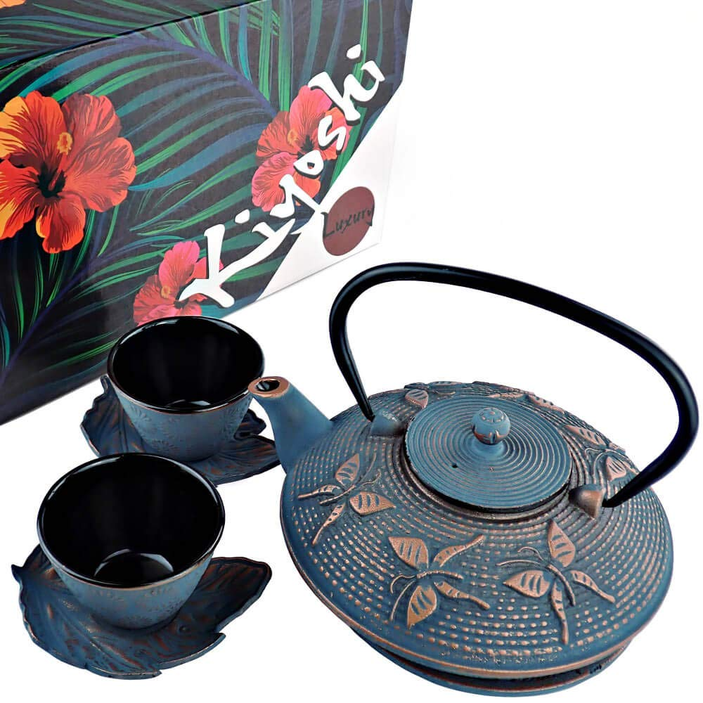 KIYOSHI Luxury Japanese Cast Iron Tea Set 7 Pieces - Blue and Red Gold color - Teapot (25,36Oz) + Stainless Steel Filter + 2 Large Iron Cups (4Oz each) + 2 Iron Leaf Saucers + Trivet - Gift set