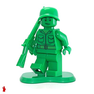 LEGO Toy Story MiniFigure - Green Army Man (w/ Base & Rifle) Set 7595: Toys & Games