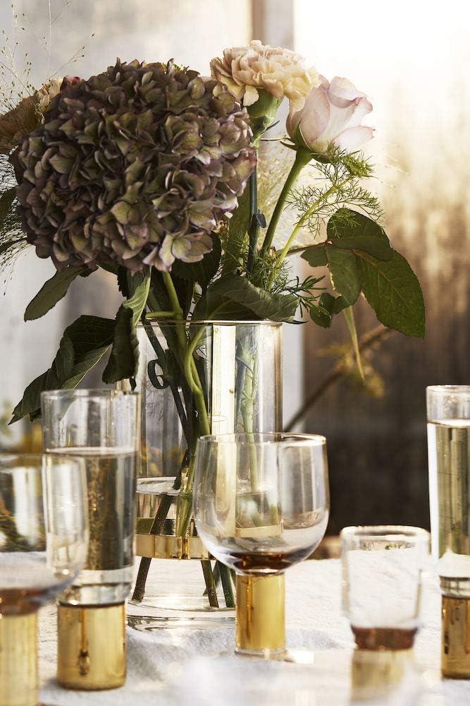Vasen mit Gold auf Tisch Dekoration