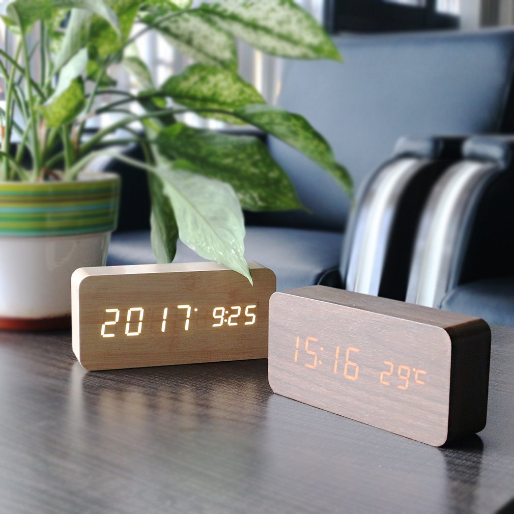 PiLife Wooden Digital Alarm Clock with Sound//Voice Control Teens Office Led Temperature, Calendar Display - Light Brown 3 Level Adjustable Brightness /& USB Charging for Bedroom Kids