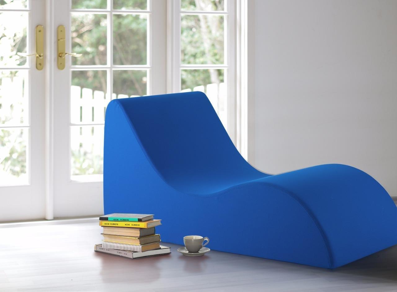 Vivon Foam Lounging Chairs