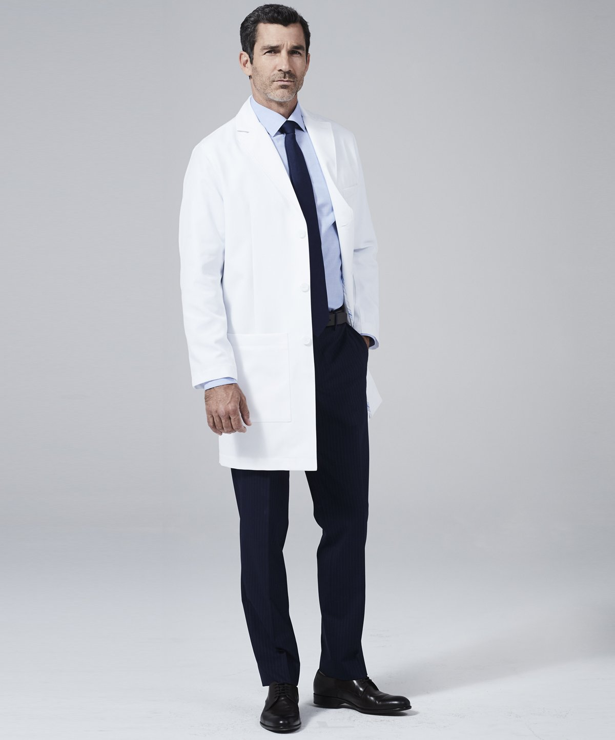 Medelita Men's Laennec Classic Fit M3 - Size 48, White