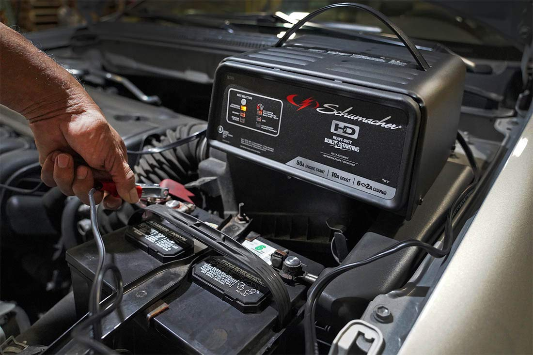 Schumacher SC1305 12V Fully Automatic Battery Charger and 10/50A Engine Starter by Schumacher (Image #4)