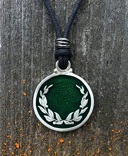 Laurel Wreath Pendant in Fine Pewter Green Color