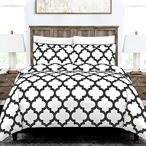 Italian Luxury Quatrefoil Duvet Cover Set - 3-Piece Ultra Soft Double Brushed Microfiber Printed Cover with Shams -Full/Queen - White/Gray