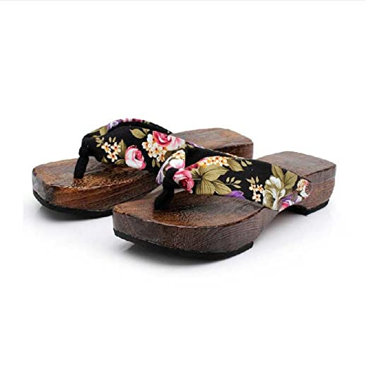 1d5af40564be Amazon.com  BSGSH Womens Casual Floral Wedge Flip Flops Summer Beach  Platform Strap Thong Sandals  Clothing