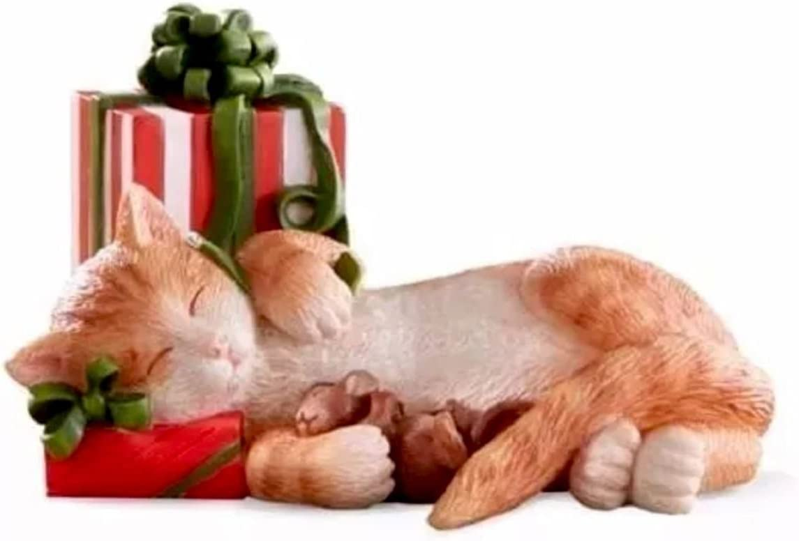Lenox Kittys Christmas Nap Kitty Cat with gift Figurine