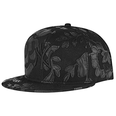 2dea72bc200 New Era Ladies 9Fifty Snapback Cap - FLORAL New York Yankees  Amazon.co.uk   Clothing
