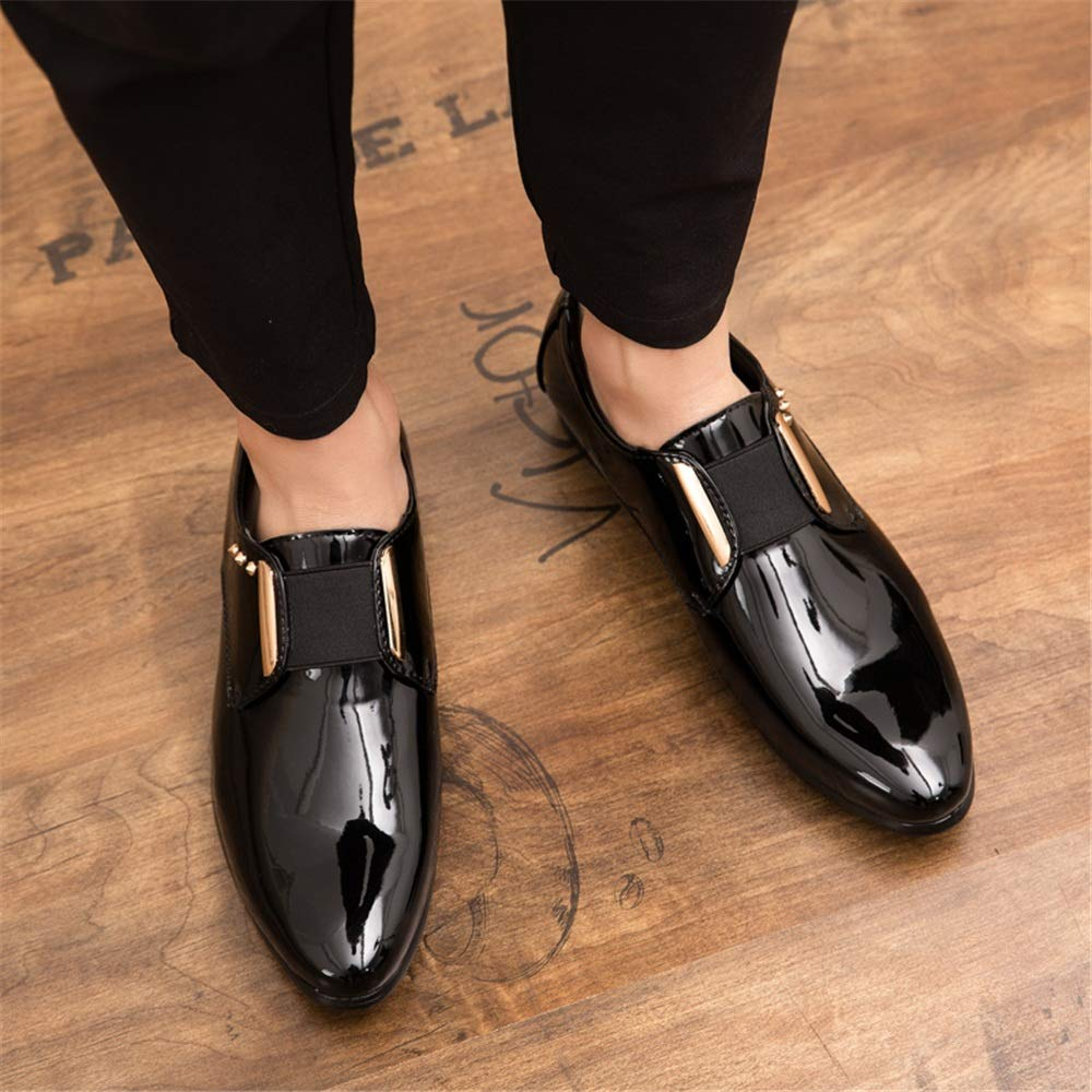 Uomo Fashion Oxford Casual Personality Metal Rivet Decoration Decoration Decoration Scarpe Basse in Pelle Verniciata Basse Scarpe da Cricket af908c