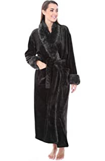 fee10f66f9 Cozy   Curious Faux Fur Robe Women s Comfy Plush Robe Soft Warm ...