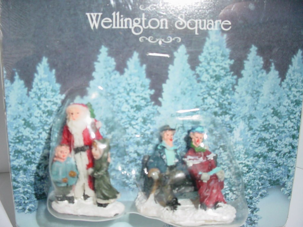 Wellington Square Figurines - 2 Different Figurines - Package Contents May Vary
